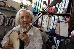TRẦN QUANG HẢI : Nhạc sư Nguyễn Vĩnh Bảo: 65 năm với đàn tranh