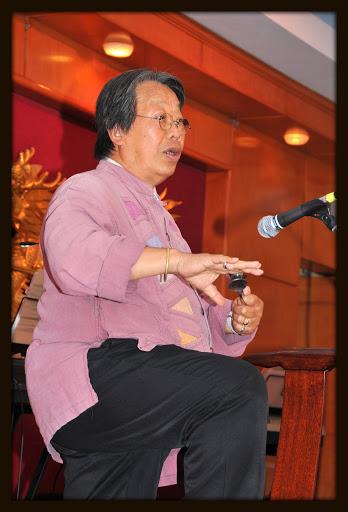 TRẦN QUANG HẢI biểu diễn muỗng tại MONTREAL , CANADA, 28.09.2013