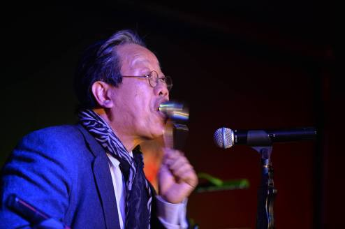 TRAN QUANG HAI played the spoons in Marseille nov. 2014. Photo by Kim Phung