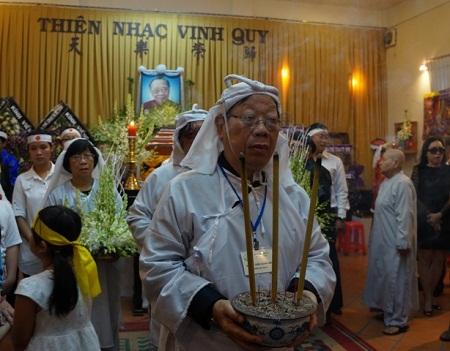 funeral tran van khe 2