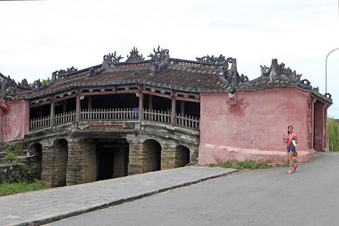 chùa cầu 2